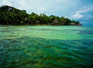 The water in Bocas del Toro. Photo by Flickr/Roman Königshofer